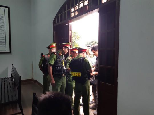 An ninh thắt chặt tại phiên tòa xét xử chủ Facebook chống tham nhũng - Ảnh 3.
