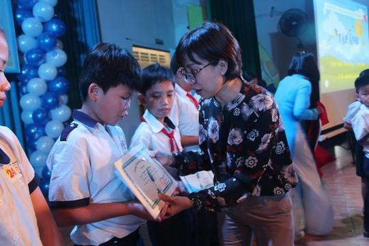 CEP tiếp sức trẻ em nghèo đến trường - Ảnh 1.