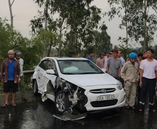 3 ô tô nát bét khi tông nhau trên QL1A, 3 người thương vong - Ảnh 3.