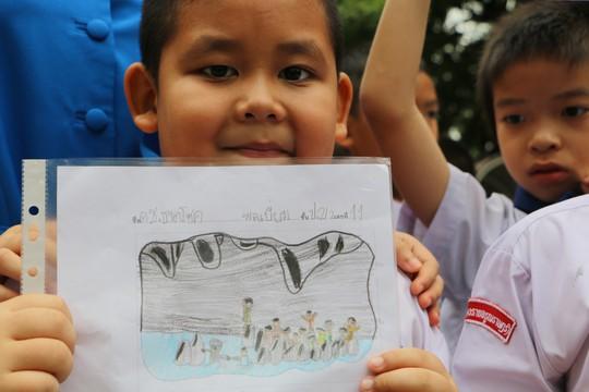 Báo Người Lao Động từ Chiang Rai: Người Thái ăn mừng thâu đêm suốt sáng - Ảnh 5.
