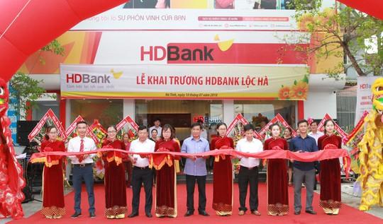 Mở rộng mạng lưới, HDBank khai trương 2 phòng giao dịch - Ảnh 1.