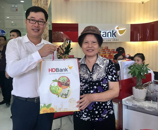 Mở rộng mạng lưới, HDBank khai trương 2 phòng giao dịch - Ảnh 3.