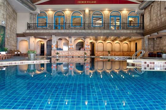Mercure Danang French Village Bana Hills: Top khách sạn 4 sao hàng đầu Việt Nam - Ảnh 3.
