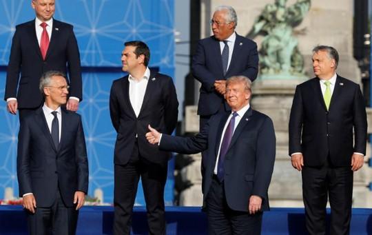 Ông Trump tuyên bố thắng các đồng minh NATO - Ảnh 1.