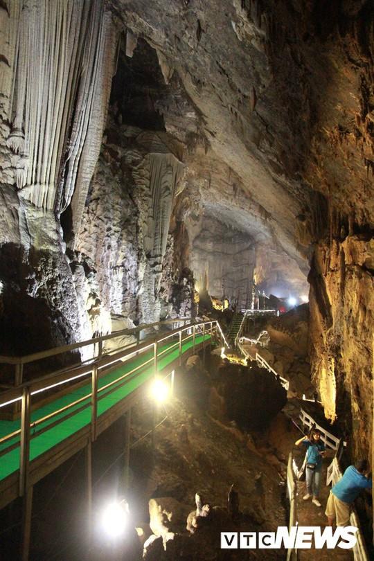 Bí ẩn vẻ đẹp kỳ ảo của hang động đẹp nhất miền Bắc - Ảnh 9.