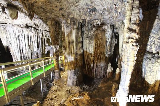 Bí ẩn vẻ đẹp kỳ ảo của hang động đẹp nhất miền Bắc - Ảnh 11.