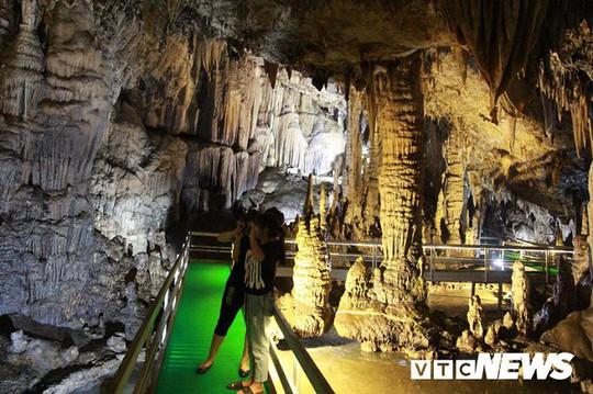 Bí ẩn vẻ đẹp kỳ ảo của hang động đẹp nhất miền Bắc - Ảnh 16.