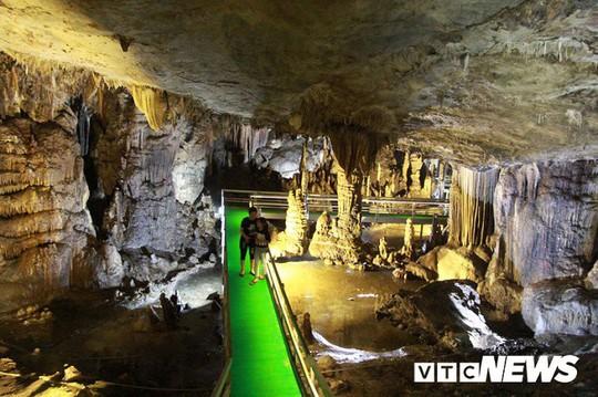 Bí ẩn vẻ đẹp kỳ ảo của hang động đẹp nhất miền Bắc - Ảnh 17.