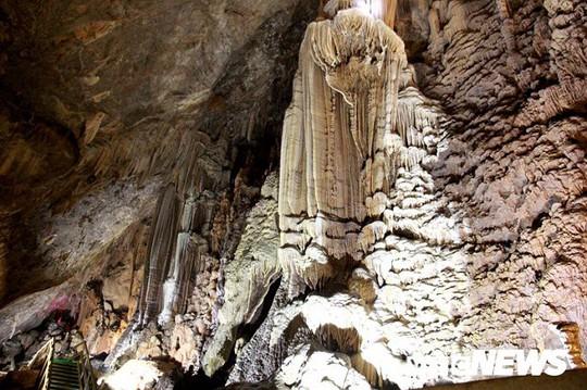 Bí ẩn vẻ đẹp kỳ ảo của hang động đẹp nhất miền Bắc - Ảnh 22.