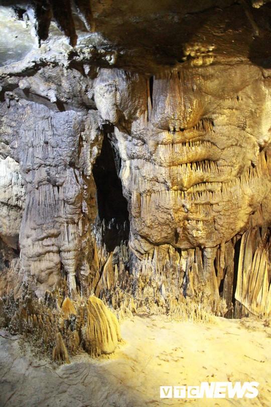 Bí ẩn vẻ đẹp kỳ ảo của hang động đẹp nhất miền Bắc - Ảnh 4.