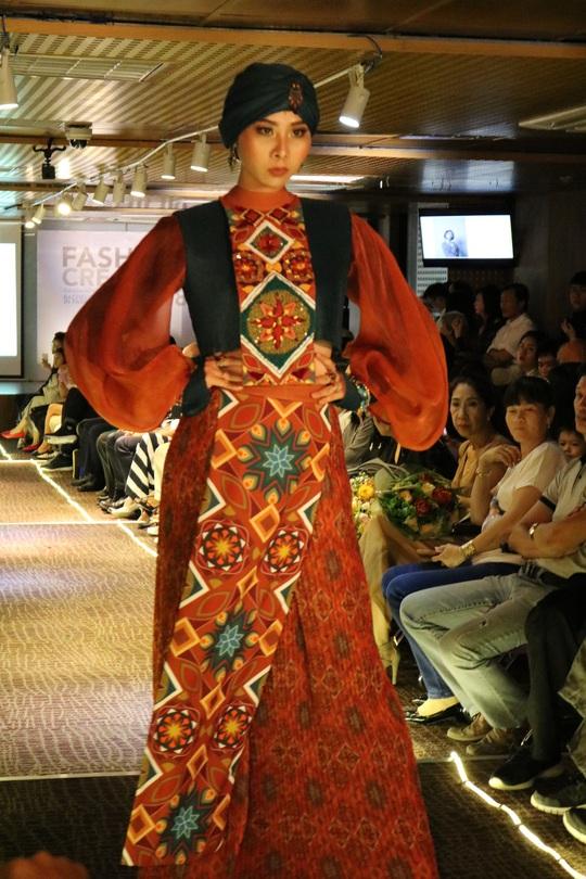 Thiết kế thời trang độc, lạ của sinh viên - Ảnh 6.