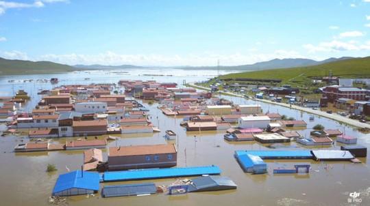 Lũ lụt Trung Quốc: Hàng chục người chết, thiệt hại 3,87 tỉ USD - Ảnh 2.