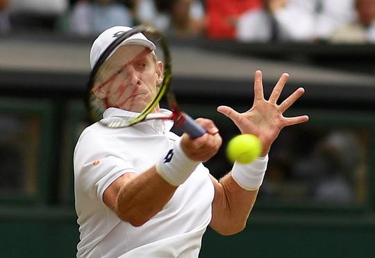 Loại Isner, Kevin Anderson vào chung kết Wimbledon - Ảnh 1.