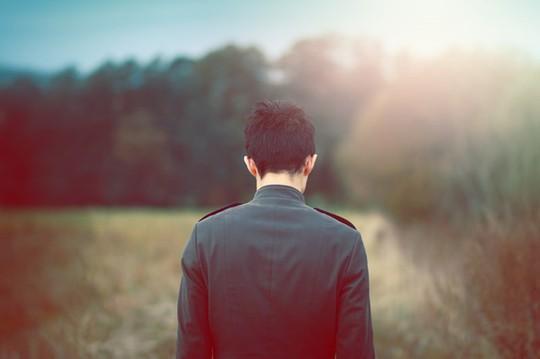Tuổi 18 gây tội lỗi ân hận suốt cuộc đời - Ảnh 1.