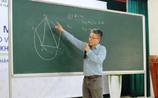 """Giáo sư Ngô Bảo Châu mở """"hộp đen"""" đam mê toán học - Ảnh 3."""