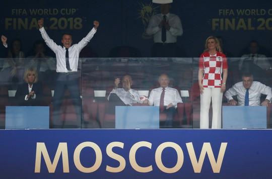 Nữ tổng thống Croatia đốn tim hàng triệu fan trên thế giới - Ảnh 2.