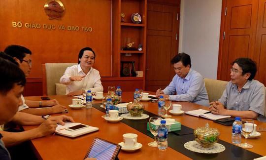 Bộ trưởng Phùng Xuân Nhạ lên tiếng vụ tiêu cực thi cử ở Hà Giang - Ảnh 2.