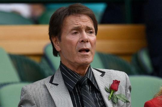 Ca sĩ Cliff Richard thắng kiện BBC về cách tác nghiệp báo chí - Ảnh 1.