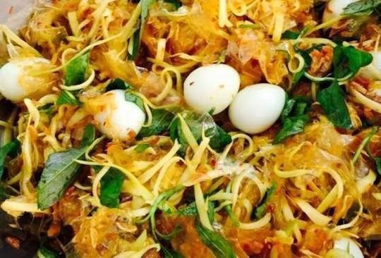 10 món ăn vặt thần thánh ở Sài Gòn - Ảnh 1.