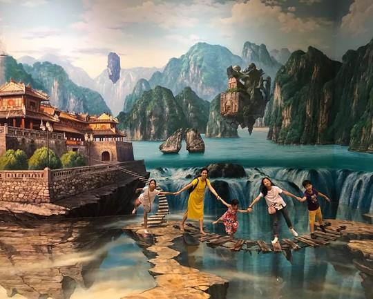Bảo tàng tranh 3D cuốn hút giới trẻ Sài Gòn - Ảnh 4.