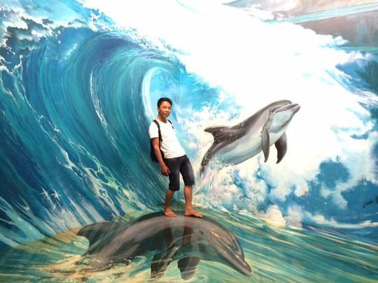Bảo tàng tranh 3D cuốn hút giới trẻ Sài Gòn - Ảnh 7.