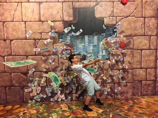 Bảo tàng tranh 3D cuốn hút giới trẻ Sài Gòn - Ảnh 14.