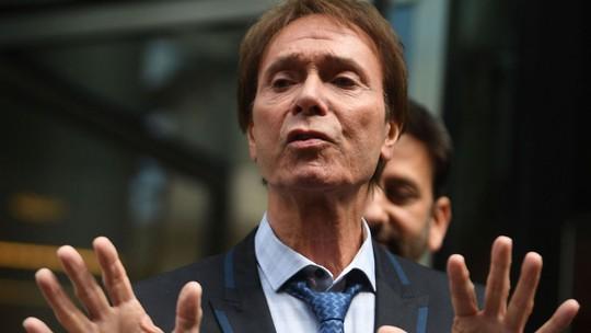 Ca sĩ Cliff Richard thắng kiện BBC về cách tác nghiệp báo chí - Ảnh 2.