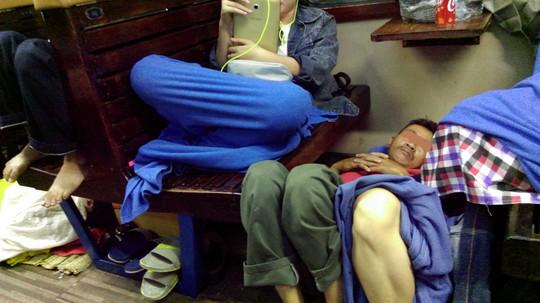 Đêm không ngủ trên tàu SE21 - Ảnh 1.