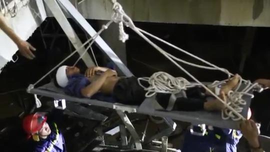 Đà Nẵng: Rơi xuống tầng hầm công trình, nam công nhân nguy kịch - Ảnh 2.