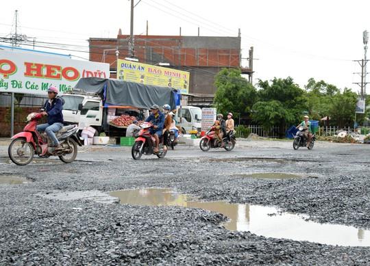 Dân TP Cà Mau kêu cứu vì đường xuống cấp nghiêm trọng - Ảnh 11.