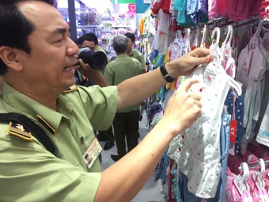 Kiểm tra 3 cửa hàng Con Cưng tại TP HCM - Ảnh 1.