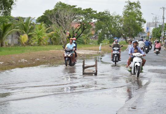 Dân TP Cà Mau kêu cứu vì đường xuống cấp nghiêm trọng - Ảnh 5.