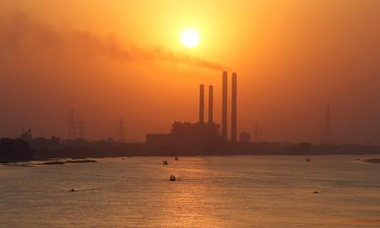 Các nước giàu đầu tư năng lượng bẩn ở châu Phi - Ảnh 1.