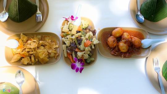 Trải nghiệm những kiểu ăn uống mới lạ ở Thái Lan - Ảnh 13.