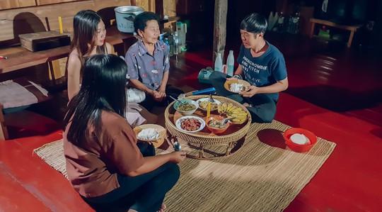 Trải nghiệm những kiểu ăn uống mới lạ ở Thái Lan - Ảnh 14.