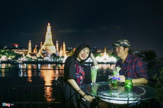 Trải nghiệm những kiểu ăn uống mới lạ ở Thái Lan - Ảnh 9.
