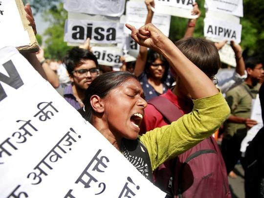 Ấn Độ: Cưỡng hiếp và chôn xác nạn nhân tại trung tâm bảo trợ - Ảnh 3.