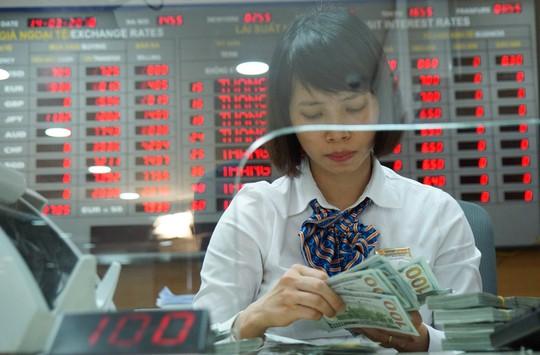 Giá USD giảm mạnh phiên đầu tuần