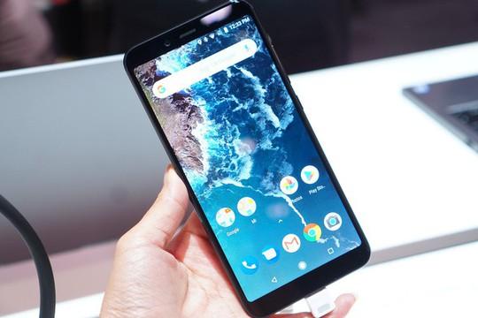 Smartphone Mi A2, Mi A2 Lite giá rẻ sắp có mặt tại Việt Nam - Ảnh 1.