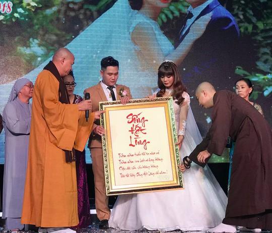 Đám cưới đầy nước mắt của con trai cố NSƯT Thanh Sang - Ảnh 3.