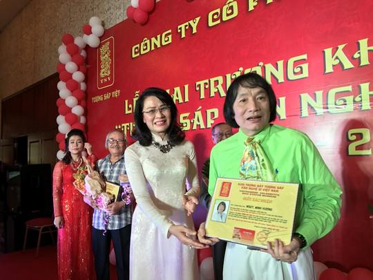 NSƯT Minh Vương, Thanh Tuấn, Giang Châu vui mừng trước kết quả xét lại - Ảnh 1.