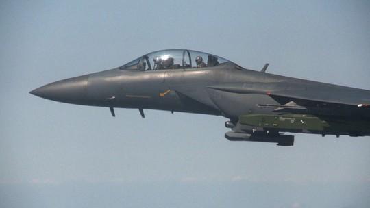 Hàn Quốc triển khai chiến đấu cơ chặn máy bay Trung Quốc - Ảnh 1.