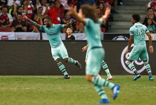 Mesut Ozil tỏa sáng, Arsenal đè bẹp PSG - Ảnh 3.