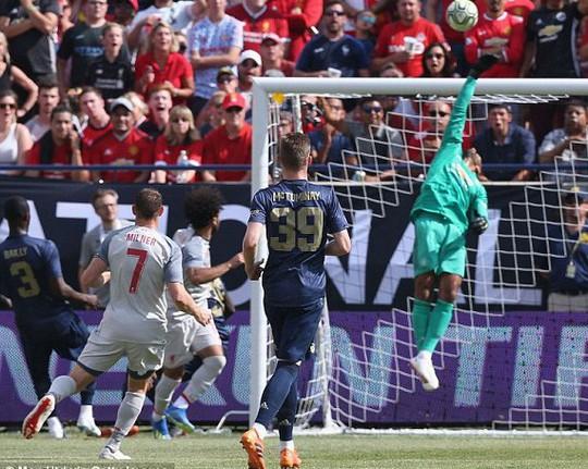 Hàng thủ tệ hại, Man United đại bại trước Liverpool - Ảnh 3.