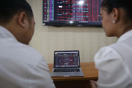 Chứng khoán Việt Nam lại gây sốc, VN-Index mất hơn 41 điểm - Ảnh 1.