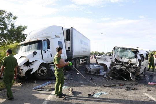 Tai nạn thảm khốc, chú rể và 12 người chết khi đi rước dâu - Ảnh 1.