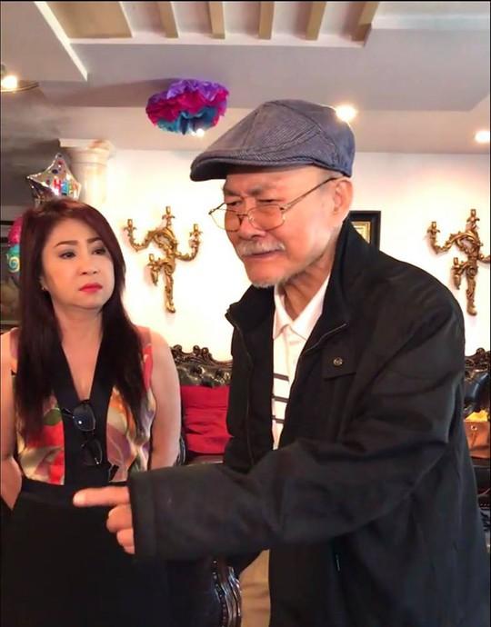Gặp lại NSND Diệp Lang, NSƯT Thoại Mỹ rưng rưng nước mắt - Ảnh 1.