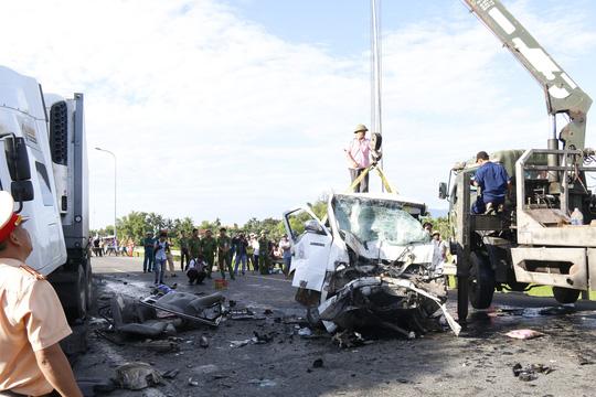 Nhân chứng kể lại phút xảy ra vụ tai nạn thảm khốc 13 người chết - Ảnh 3.