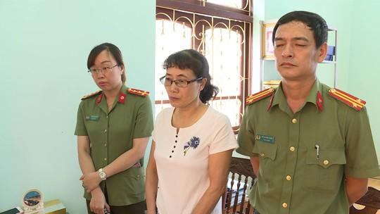 Khởi tố phó giám đốc Sở GD-ĐT Sơn La cùng 4 cán bộ vụ gian lận điểm thi - Ảnh 2.