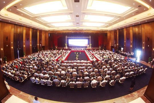 Gỡ nhiều vướng mắc tại Hội nghị tiếp xúc DN 6 tháng đầu năm - Ảnh 1.